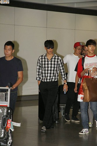 TOP-HongKongAirport-26sep2014-Press-On.Cc-02