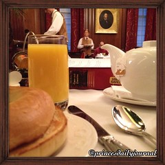 """Long overdue breakfast @OPH1885 #princesbriefcase: Studying promissory estoppel for contracts law. #whatsprinceeating: """"Toasted Bagel w/ orange juice and tea"""" www.princesdailyjournal.com #princeinthecity #princesdailyjournal #breakfast #foodie #foodart #i"""
