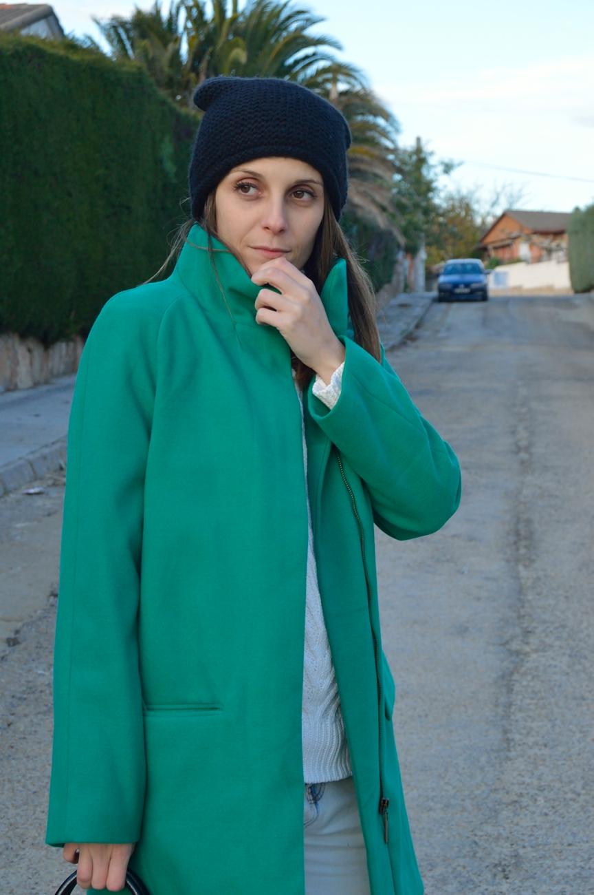 lara-vazquez-mad-lula-style-streetstyle-green-coat-fall