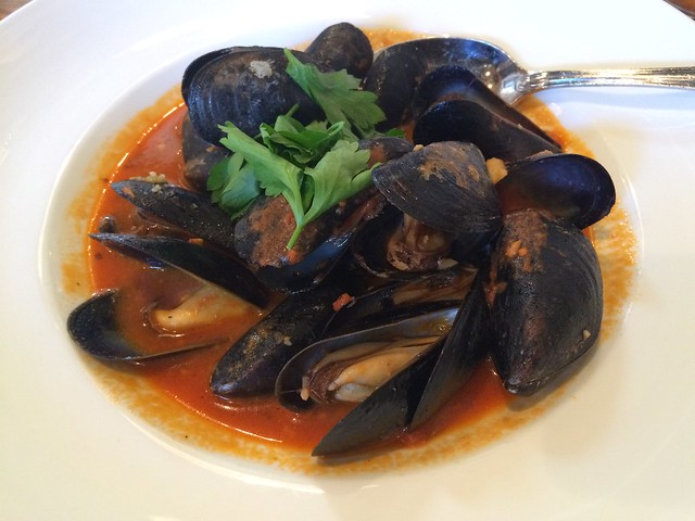 Steamed mussels - Hank's Oyster Bar