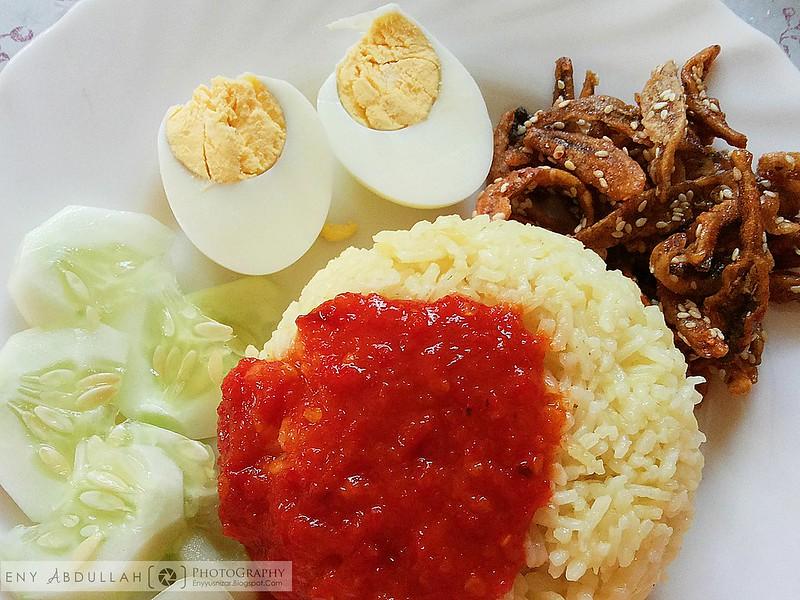 Nasi lemak kuning 1