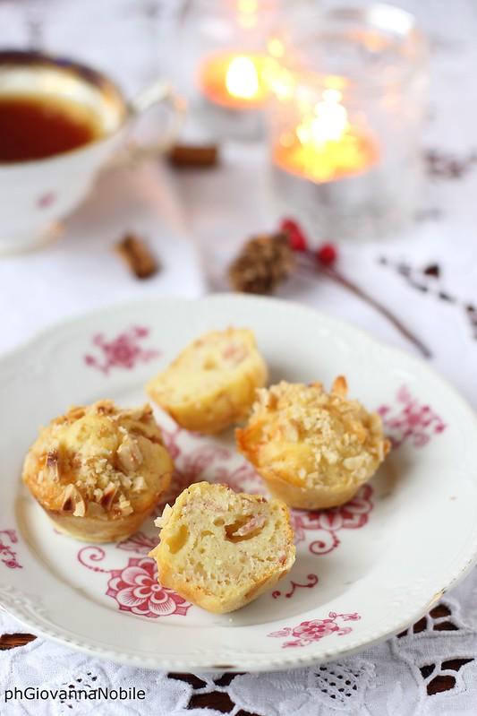 Ricetta dei mini muffin con prosciutto cotto  e nocciole