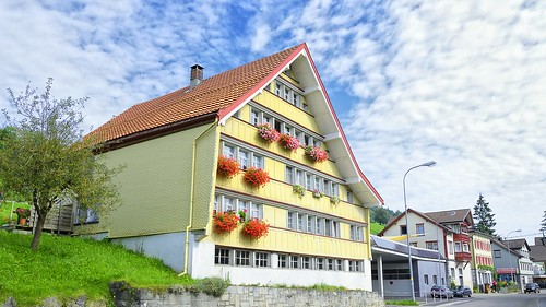 building geotagged schweiz switzerland nikon suisse haus blumen che gps nikonshooter urnäsch kantonappenzellausserrhoden nikonschweiz nikkor18200mmvrii geosetter d5300 capturenx2 ponte1112 nikonswitzerland viewnx2 geo:lat=4731610803 geo:lon=928078682