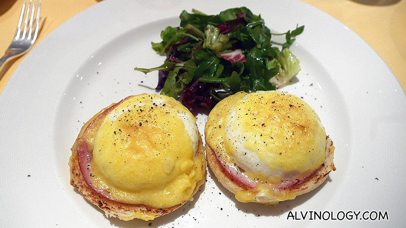 Egg benedicts