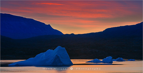 winter sunset red mountain snow cold ice water canon landscape evening glow dusk glory peak arctic fjord iceberg meijer icebergs henk eastgreenland scoresbysund røde floydian leefilters canoneos1dsmarkiii rodefjord kangertittivaq