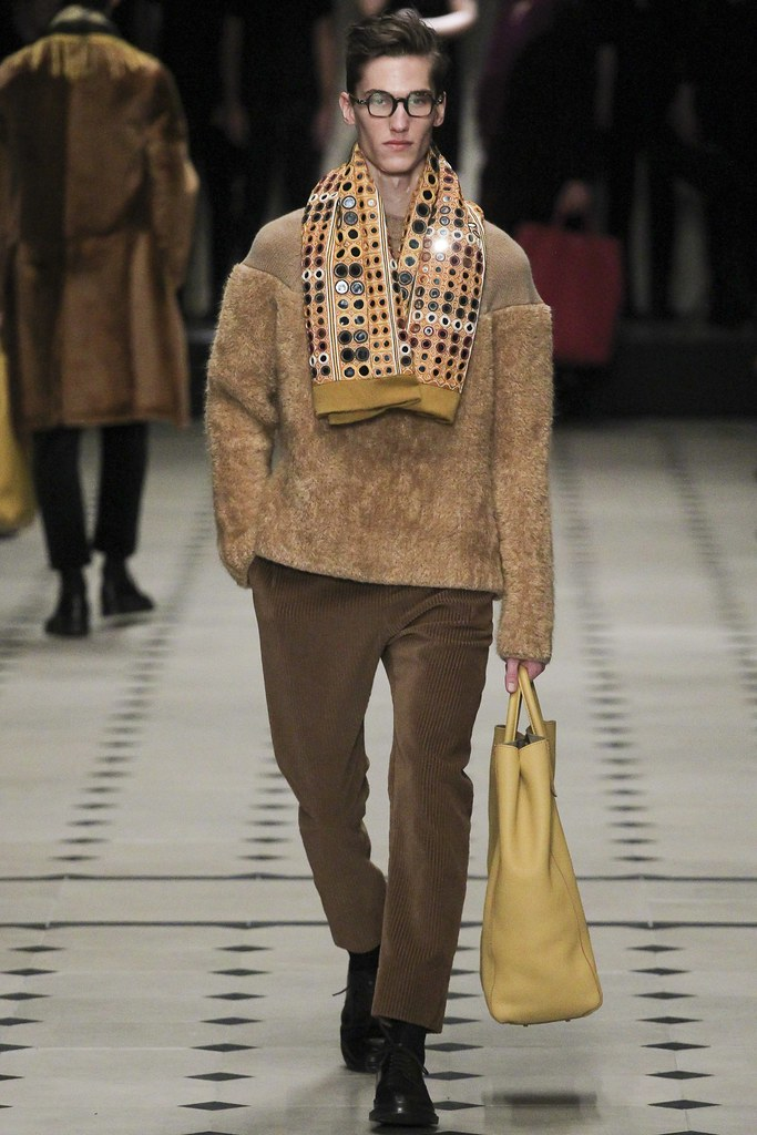 FW15 London Burberry Prorsum040_Kristoffer Hasslevall(VOGUE)