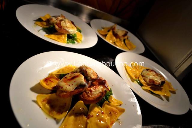 Salade aux Ravioli & Cabécou Gratiné © Ana Luthi Tous droits réservés 01 Gratiné © Ana Luthi Tous droits réservés 17
