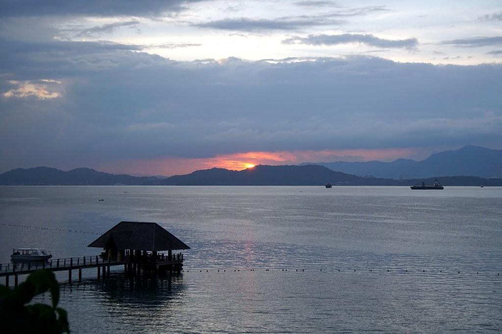 sunrise - gaya island resort