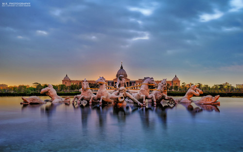 plaza city longexposure nature beautiful museum sunrise landscape nikon scenery taiwan zeus tainan 台灣 自然 hdr 風景 日出 2015 blackcard chimei 清晨 歐洲 火燒雲 台南市 噴水池 噴泉 奇美博物館 長曝 夕彩 歐風 thefountainofapollo 夜曝 afs2470mm28g 仁德區 d800e 奧林帕斯橋 希臘神像