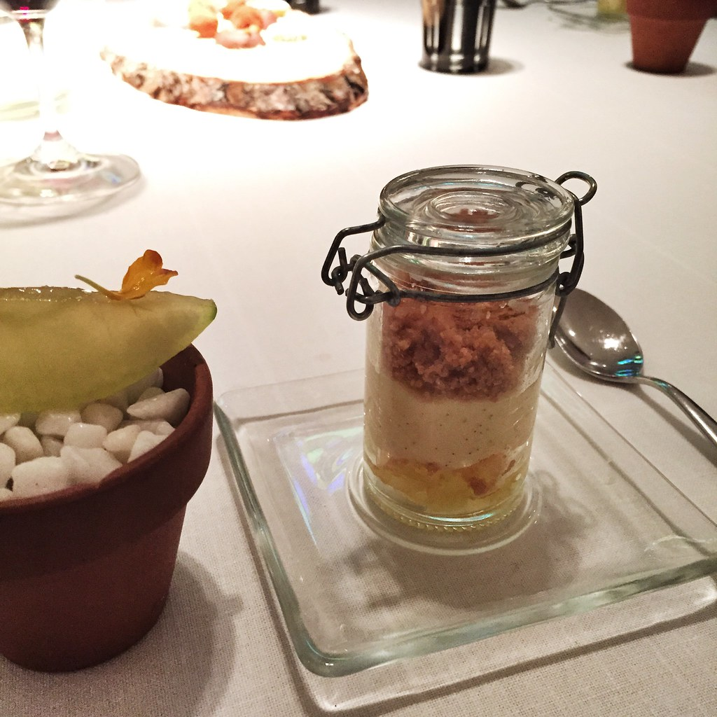 Manzana williams con gintonic y yogur de manzana en bote