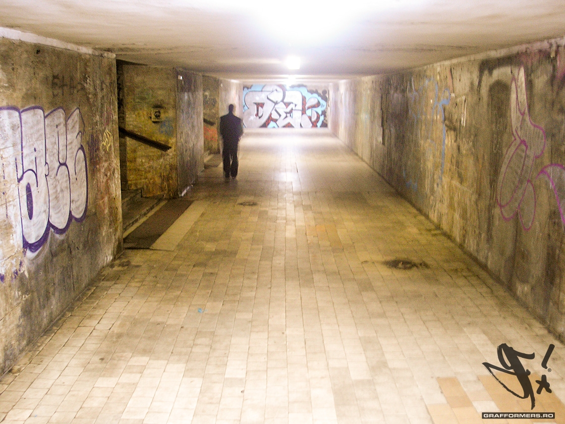02-20111023-magheru_bld_subway-oradea-grafformers_ro