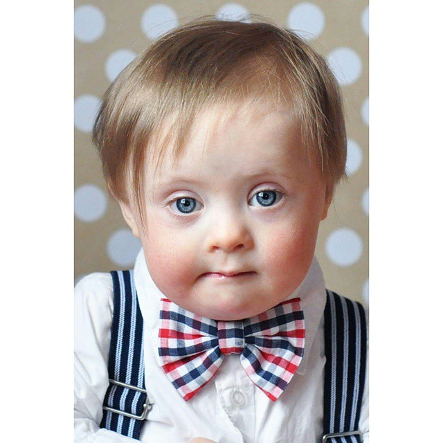 This little dude is teething today, but is still looking so cute in his @lollyludesigns red, white, and blue bow tie! #lollyludesigns #bowties #dapper
