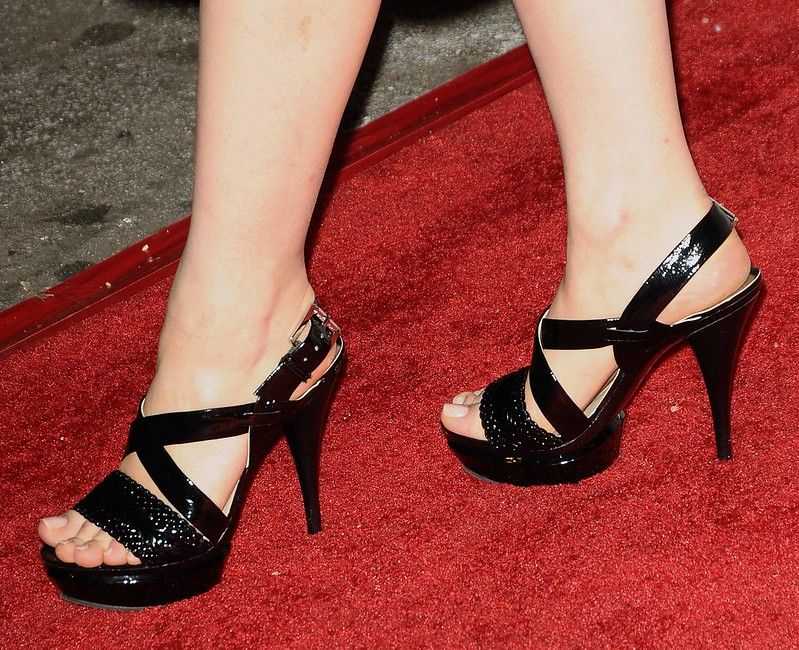 Feet & Shoes (1005)