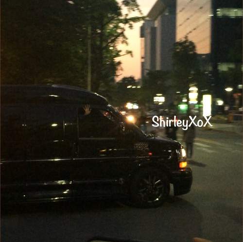 GD-waving-leaving-KBS by hi_shirleyloxx