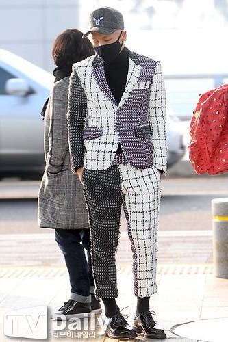 Tae Yang - Incheon Airport - 09jan2015 - TV Daily - 03