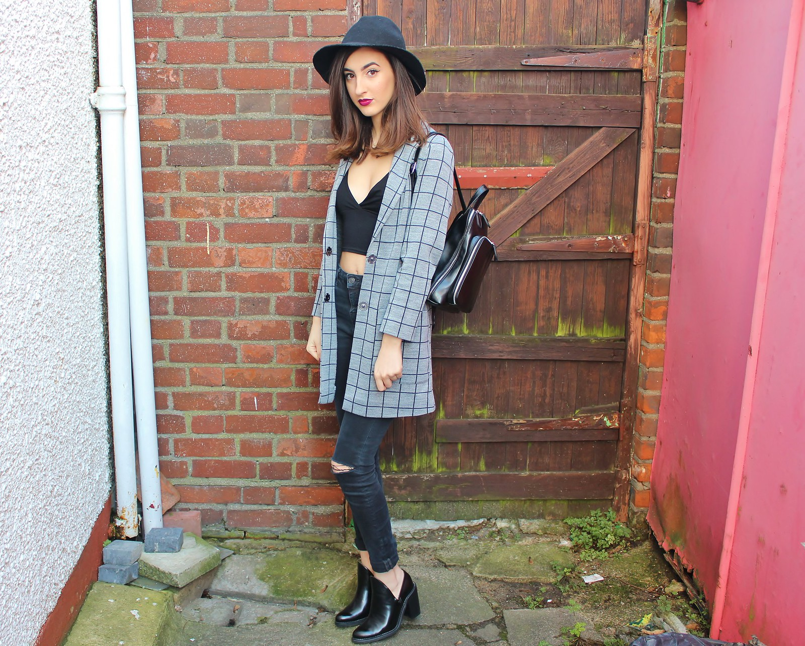 GREY SQUARE OOTD