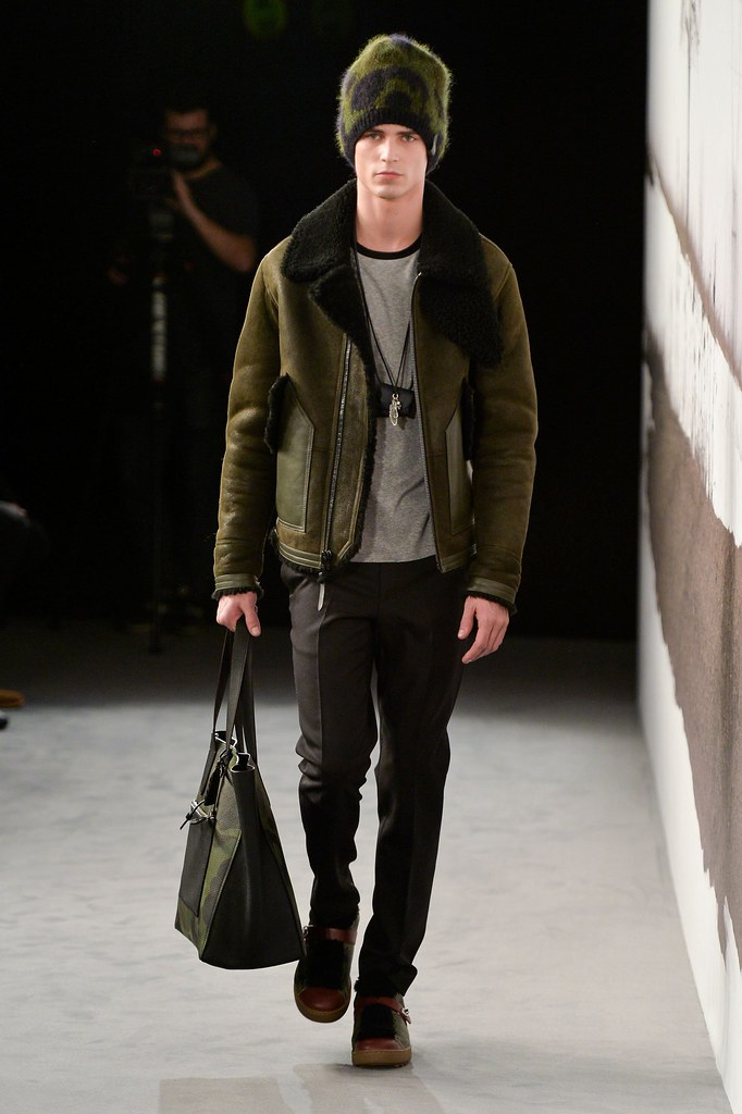 FW15 London Coach002_Arthur Gosse(fashionising.com)