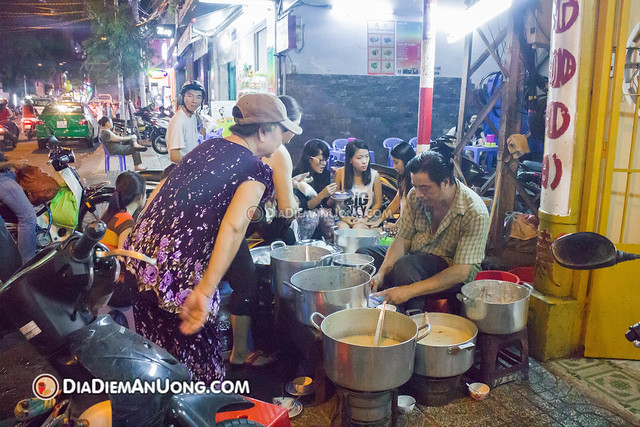 15840431546 b1a875eaba z - Chè vỉa hè Võ Văn Tần - Không dành cho thực khách chuộng hình thức