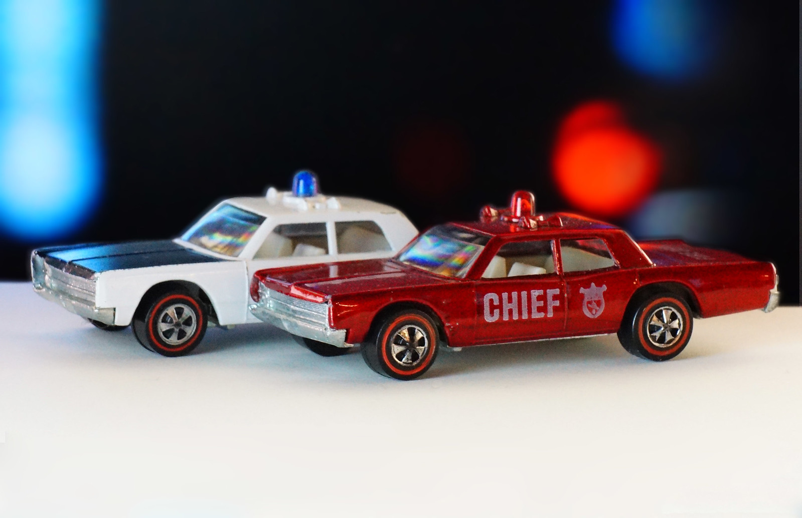 Hot Wheels Redline Fire Chief Red Siren