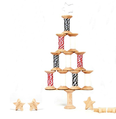 DIY Christmas Tree - Spools and Paper Twine from PaperPhine