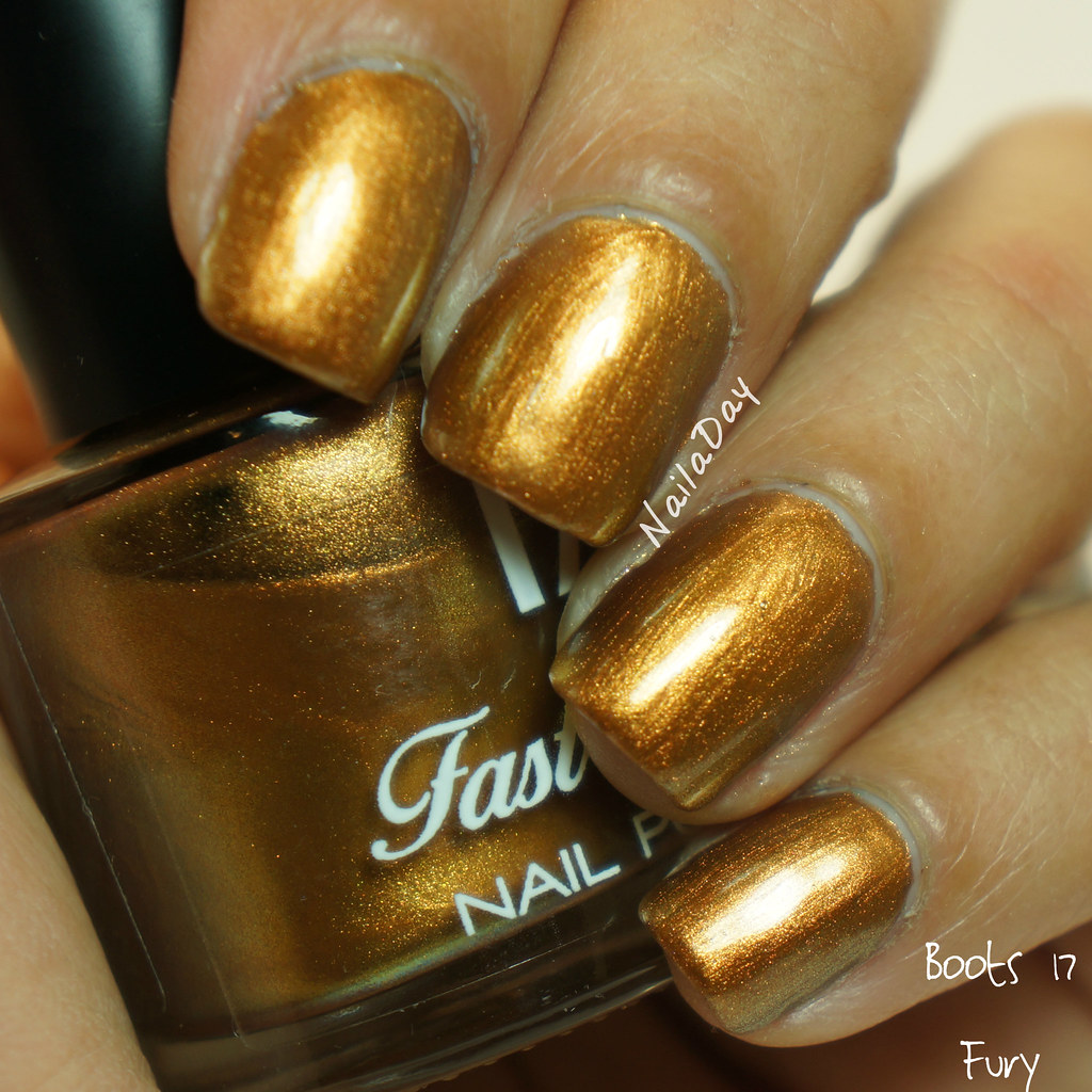 NailaDay: Stash swatches - Boots 17 Fury