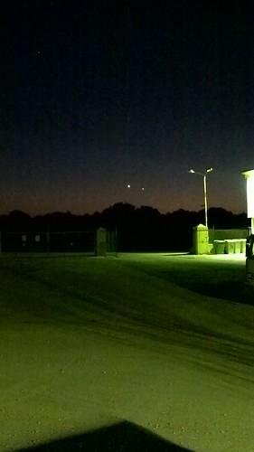 Preciosa alineacion de Venus y Mercurio en la puesta sol