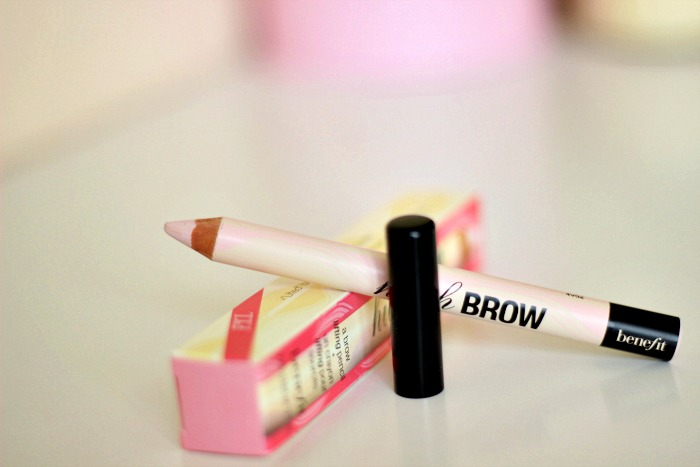Benefit High Brow Brow Highlighting Pencil Review2