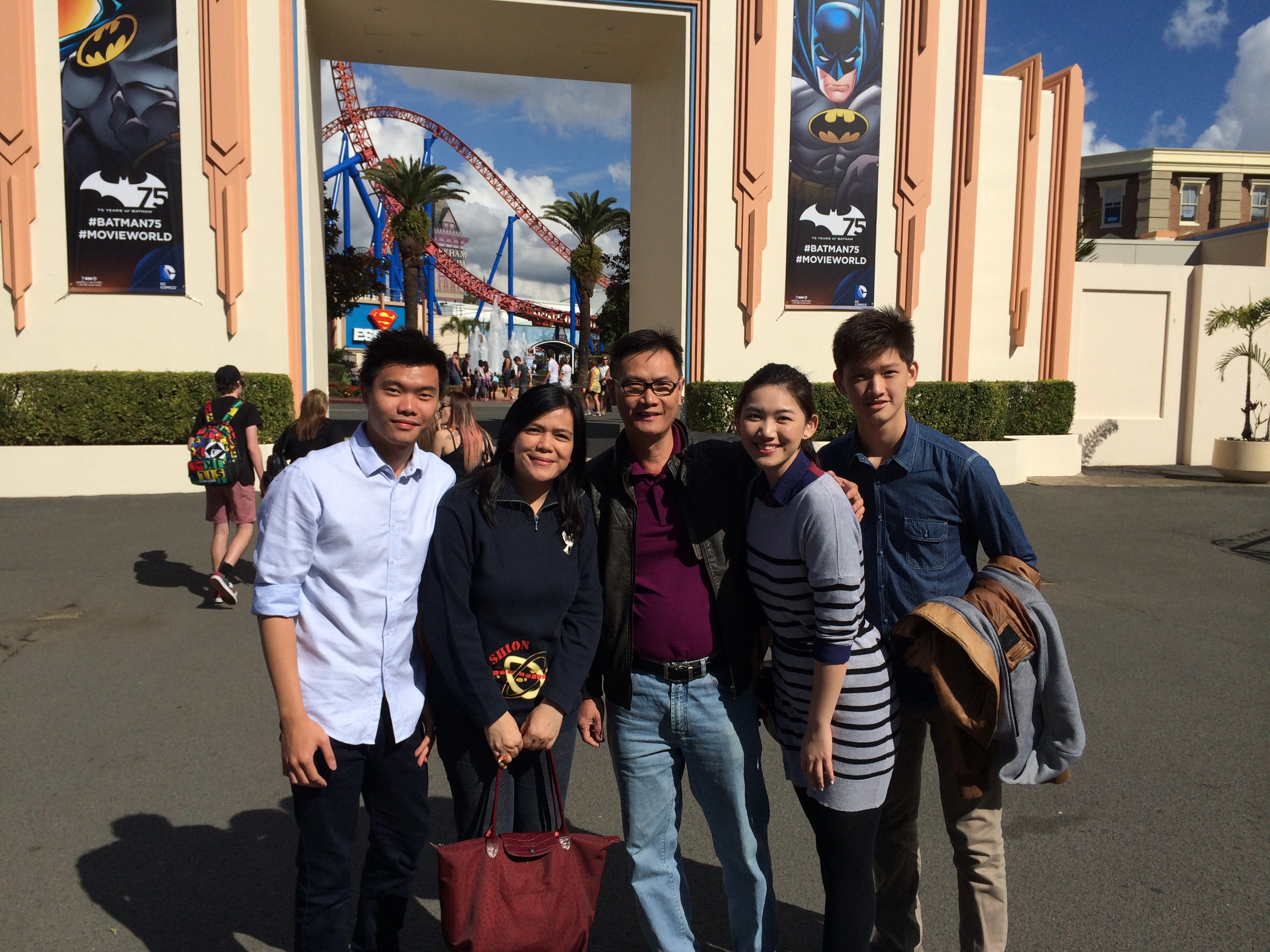 Warner Bros Movie World Gold Coast Family Snap