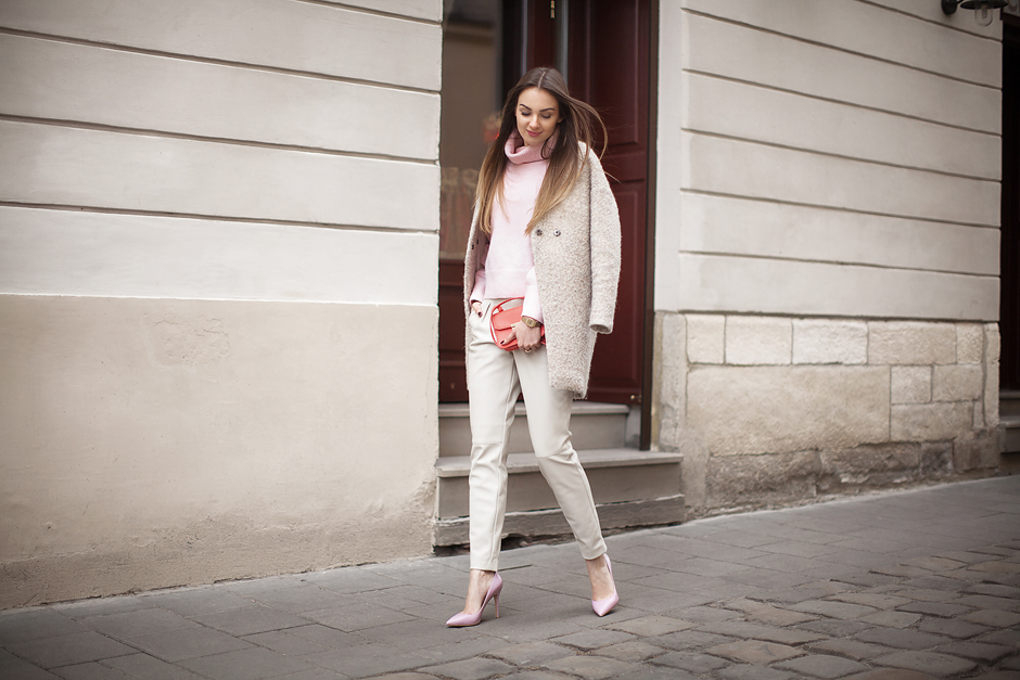pastel-pink-outfit-ideas-sweater-coat