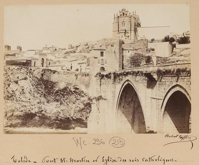 Puente y Puerta de San Martín en 1889. Fotografía de Marie Hubert Vaffier © Bibliothèque Nationale de France