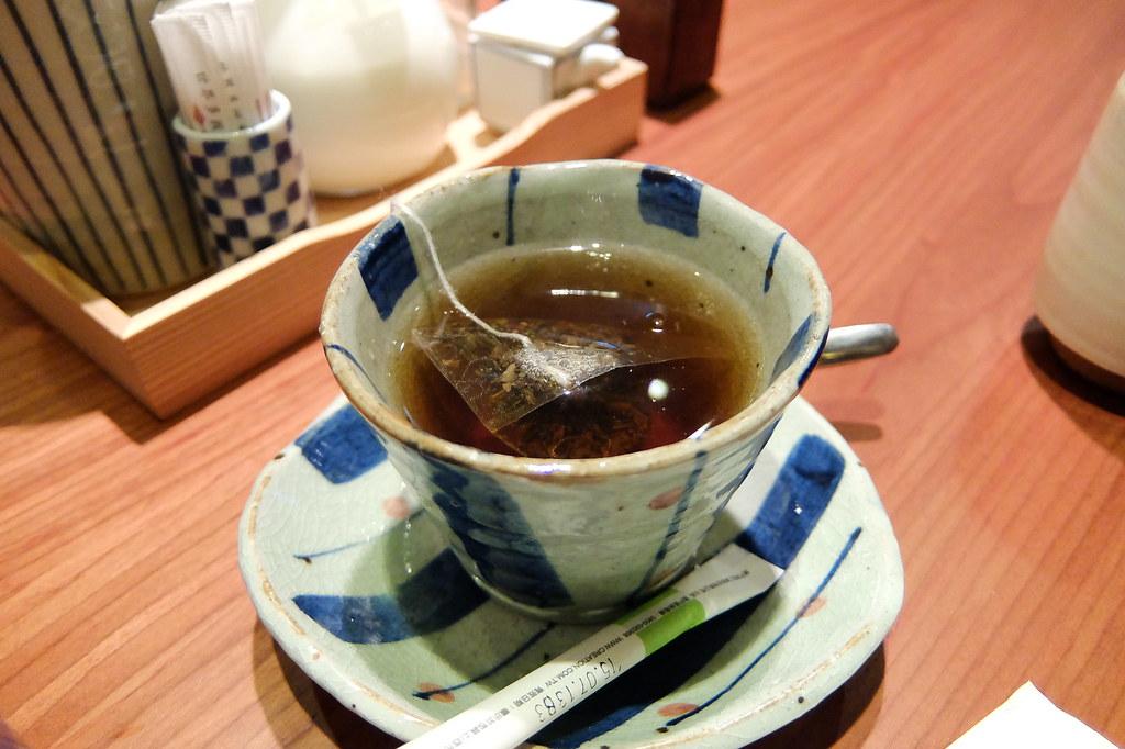 餐前給的烏龍茶