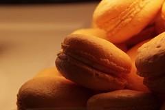 plant(0.0), produce(0.0), fruit(0.0), baking(1.0), sweetness(1.0), food(1.0), macaroon(1.0), dessert(1.0),