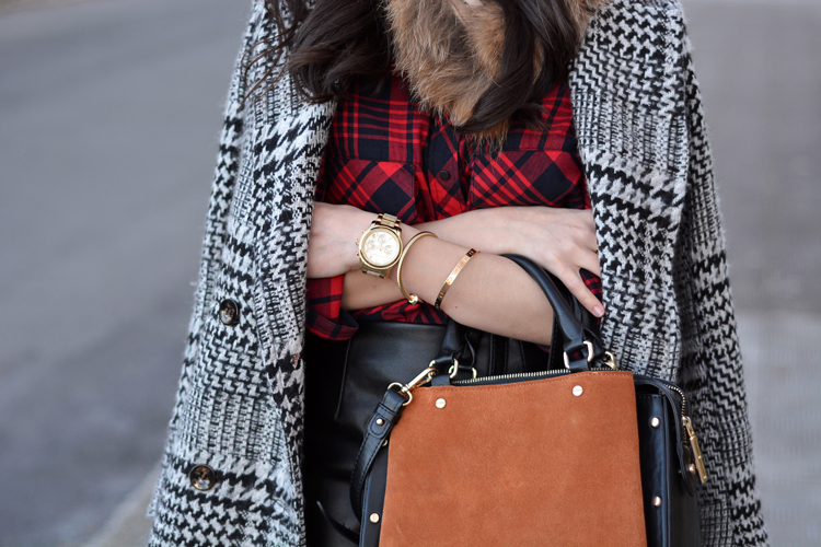Zara_plaid_ootd_inspiration_outfit_skirt_leather_coat_fur_07