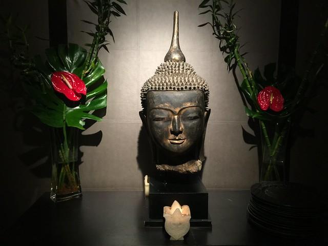 Cabeza de Buda en Asia Gardens Hotel