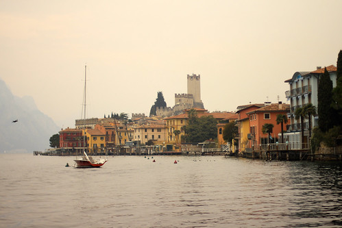 Veleggiando sul Lago di Garda