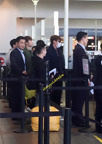 Big Bang - Los Angeles Airport - 06oct2015 - StayGold0624 - 05