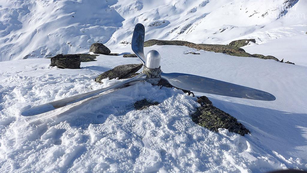 Propeller of Dakota, near by Gaulihütte, Berner Alpen:http://skitourguru.com/oblast/12-berner-alpen-alpes-bernoise, Switzerland
