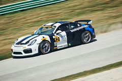 Porsche Cayman GT4 CS