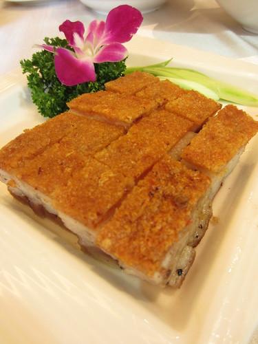 台南商務會館港式飲茶-主廚介紹與拿手菜推薦-脆皮燒肉1