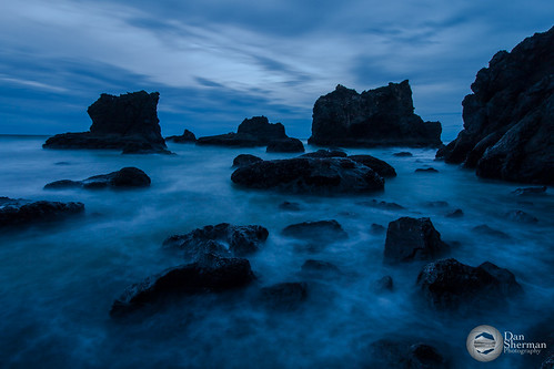 ocean blue sea seascape water clouds oregon coast rocks unitedstates pacific tide rocky pacificocean pacificnorthwest oregoncoast bluehour pnw rugged pacificcoast lincolncity rockycoast lincolncityoregon pacificnorthwestcoast