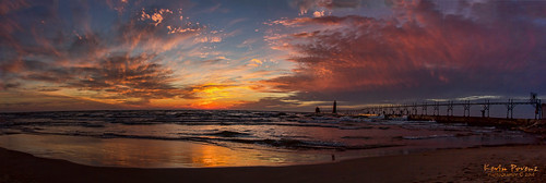 blue sunset red usa sun lighthouse reflection water yellow clouds pier december unitedstates michigan pano ottawa sigma panoramic lakemichigan catwalk grandhaven 2014 westmichigan ottawacounty grandhavenstatepark canon60d kevinpovenz