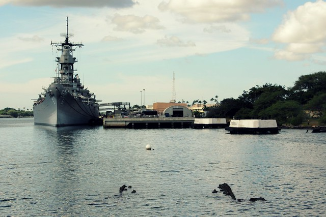 USS Arizona Memorial & USS Missouri at Pearl Harbor
