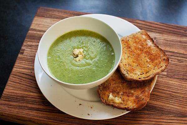 broccoli-stilton-soup-1