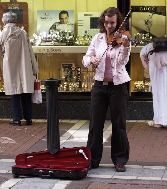 THE STREET FIDDLER, DUBLIN