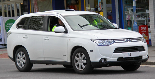 Thames Valley Police Unmarked Mitsubishi Outlander Dog Section Response Vehicle - **14 ***