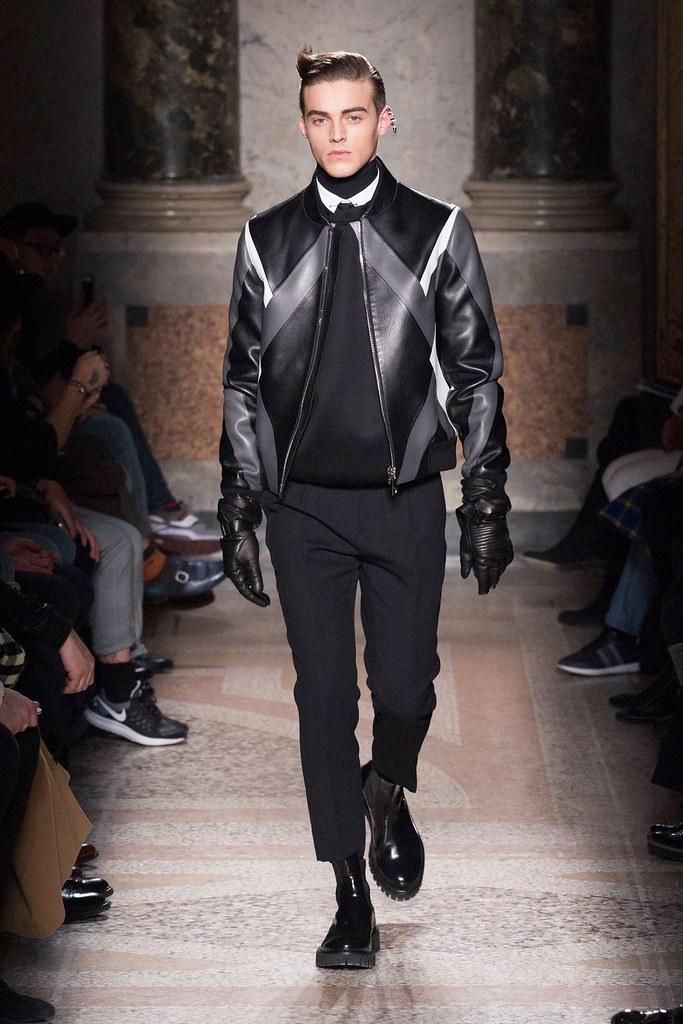 Robbie Wadge3706_FW15 Milan Les Hommes(fashionising.com)