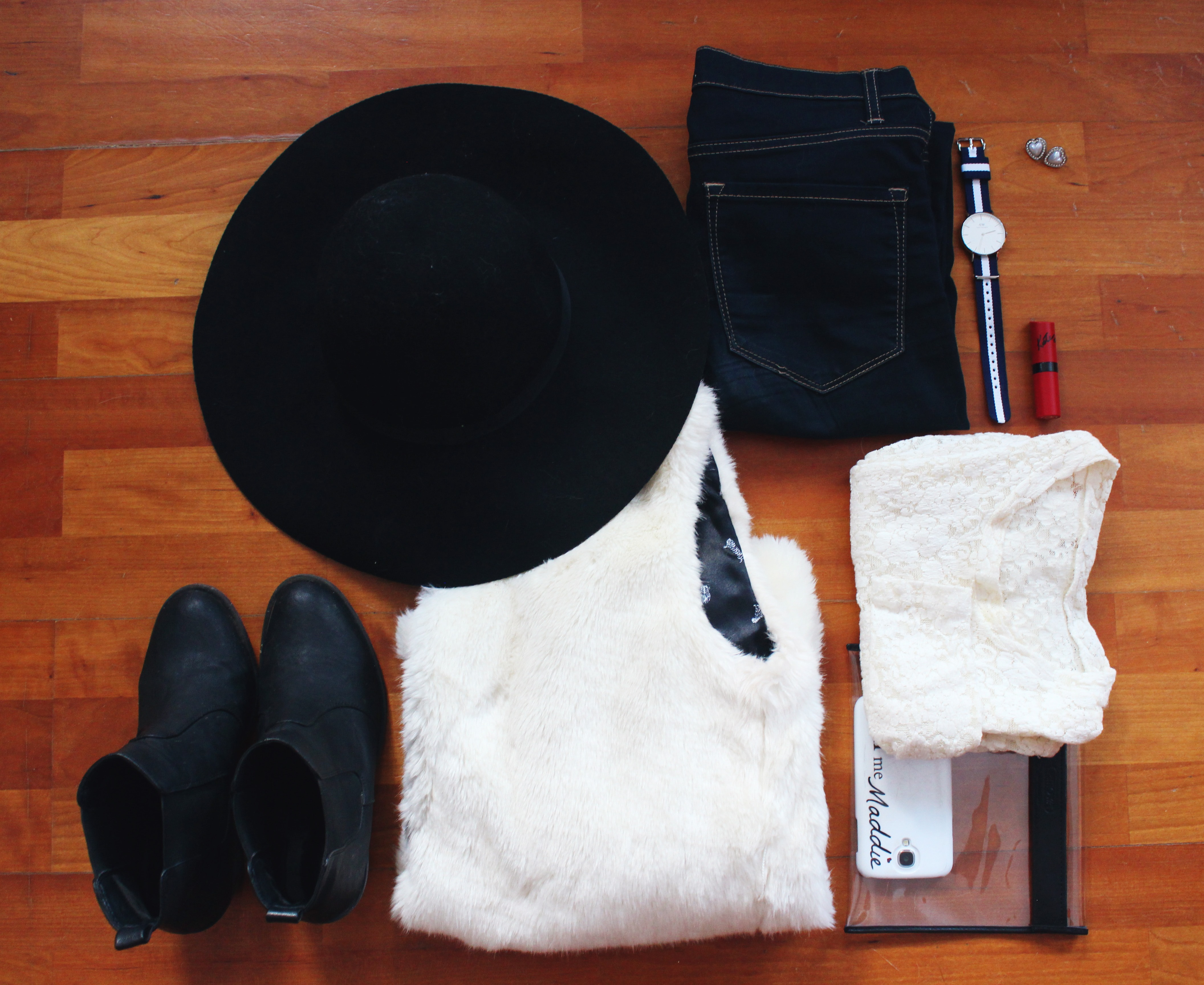 floppy-hat-outfit