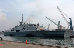 USS Fort Worth (LCS 3) arrives in Jakarta for a port visit, Dec. 22. (U.S. State Dept./Erik A. Kurniawan)