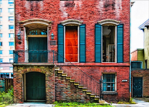 Image of the front of an old home in Savannah, Georgia