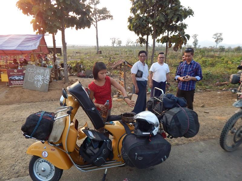 150226-0301 Myanmar (3) (2304 x 1728)